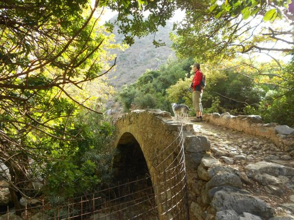 Stone bridge in Tsihliana Gorge (Polyrinia)