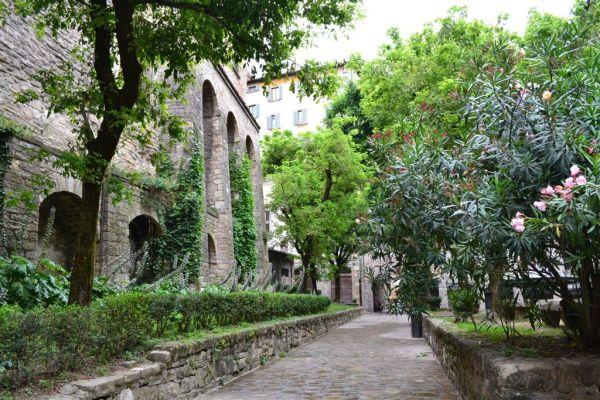 Back courtyard near Piazza Vecchia